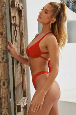 43820440a4efc Don't Get It Twisted V-Shaped High Leg Bikini Bottoms in Red